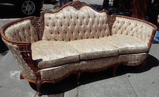 Uhuru Furniture & Collectibles Sold Deutsch-eck French