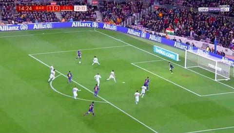 Đường chuyền thành bàn thứ hai của Alba