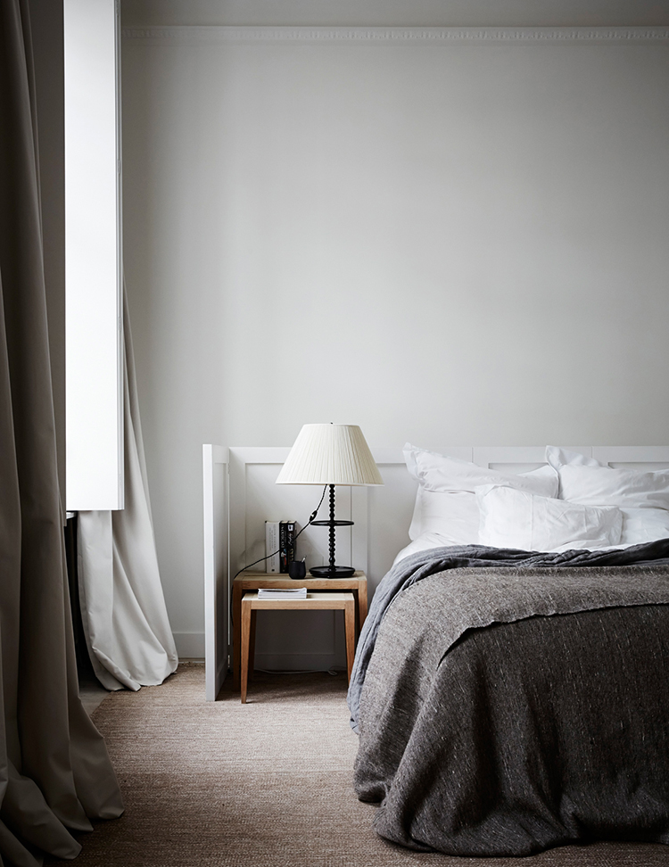 Modern rustic bedroom. Photo by Paul Massey. Image via Living Etc