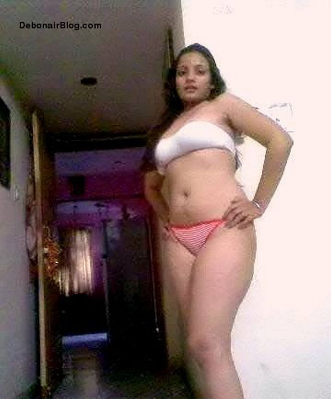 Desi Bhabhi in Bra Panties
