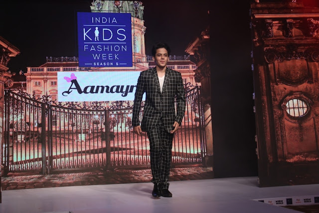 Day-1,Darsheel Safary walked the ramp during IKFW