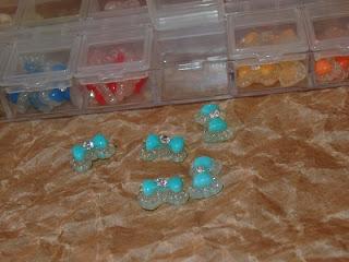 Moñitas de colores para las uñas
