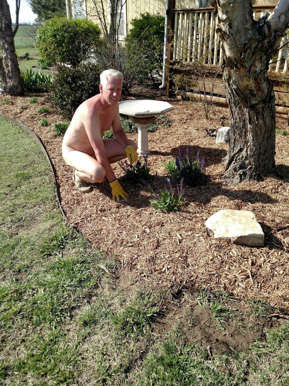 GNI BuffBuzz: World Naked Gardening Day 2018