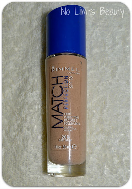 Rimmel Match Perfection en 200 Soft Beige