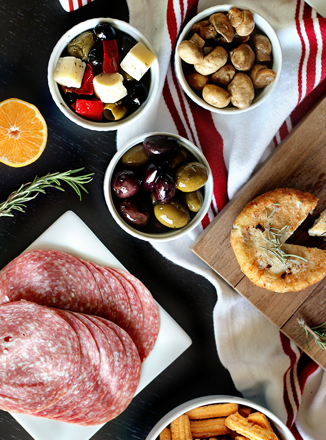 A Beautiful (and Incredibly Easy) Holiday Snack Spread