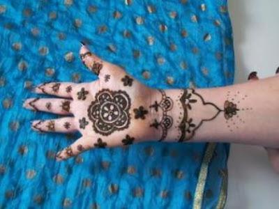 Floral Mehndi Designs For Full Hands