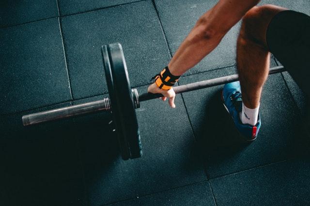 Hoe oefenen bodybuilders thuis zonder naar de gym te gaan?
