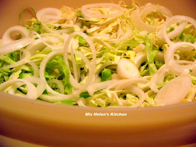 Crisp Cole Slaw at Miz Helen's Country Cottage