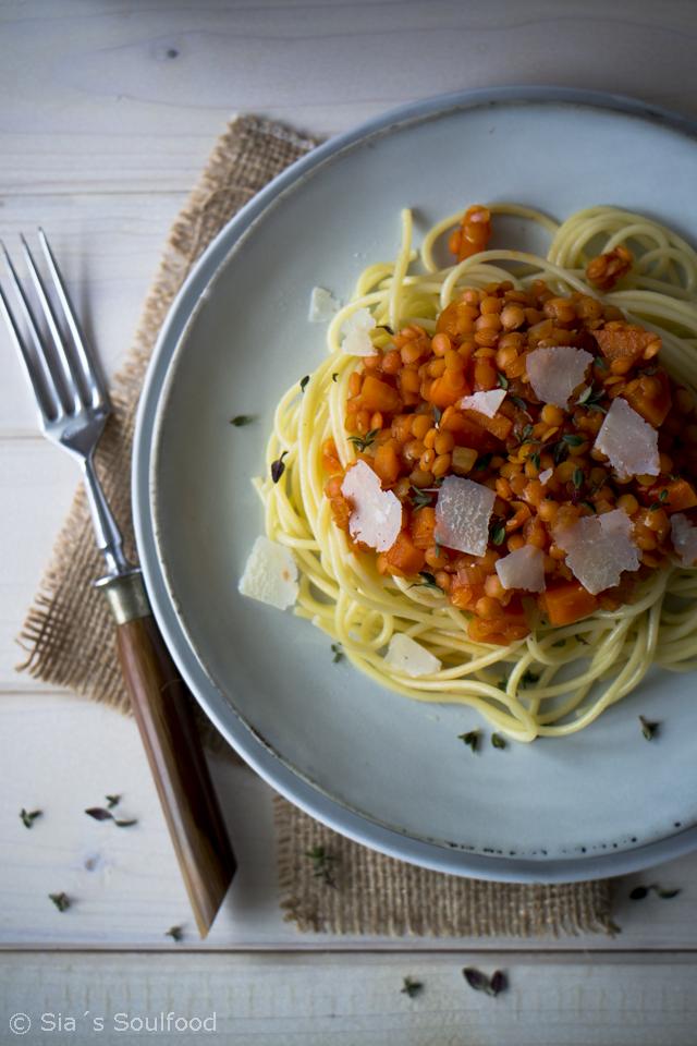 Spaghetti mit Linsen-Sauce