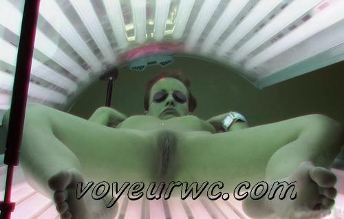 Solarium 307-314 (Girl masturbating in tanning salon. Hidden camera catches hot girls masturbating at solarium)