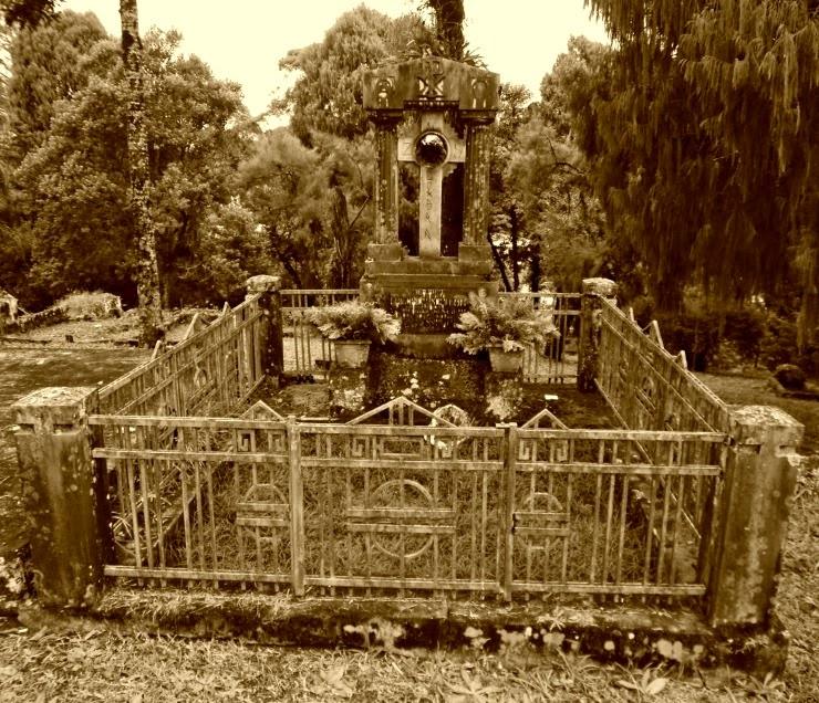 Jazigo de Friedrich Schlemm (1862) - Cemitério dos Imigrantes Alemães de Joinville