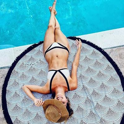 Alexandra & Co, maillot de bain, piscine