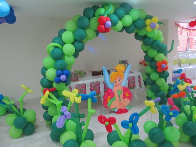 Decoracion con globos de campanita recreacionistas - Arreglos fiestas infantiles ...