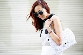 túi xách nữ màu trắng và xu hướng thời trang chưa bao giờ hạ nhiệt
