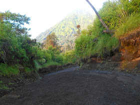 ijen hiking trails