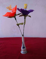 Bunga sepatu yang dibuat dari kain flanel