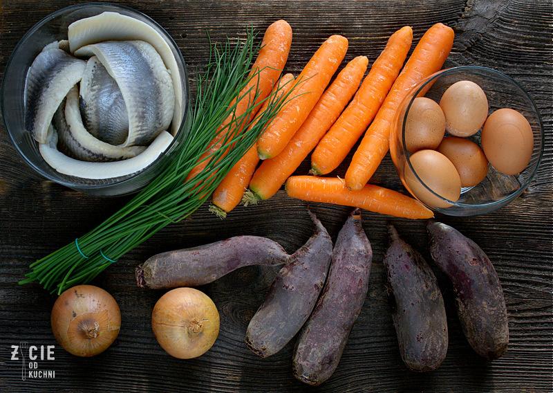 szuba, sledz pod pierzynka, salatka sledziowa, salatka na impreze, danie ze sledziem, salatka ze sledziem, salatka szuba, sledz, buraki, zycie od kuchni