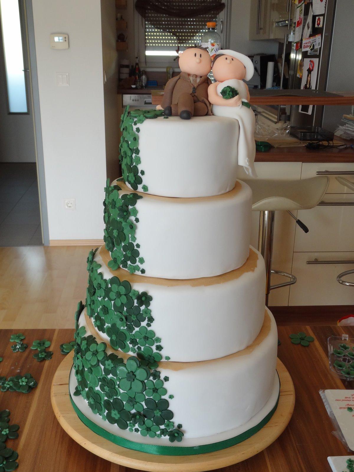 Torten  Cupcakes by Sibl 4stckige Hochzeitstorte in