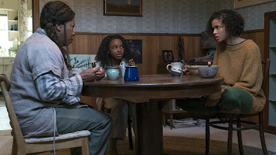 Lorraine Toussaint, Saniyya Sidney, and Gugu Mbatha-Raw in Fast Color