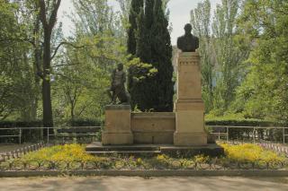 Monumento al Doctro Cerrada.