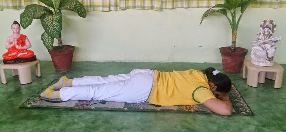 Hatha Yoga Pose of Makarasana