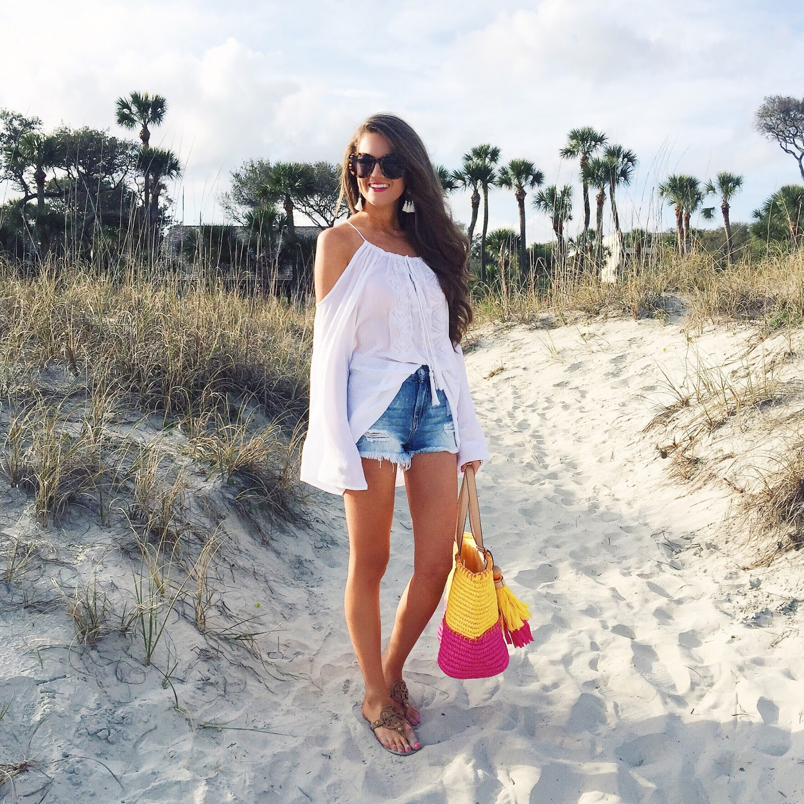 86d3d09571ca Love this beach outfit! Elan cold shoulder top    distressed jean shorts    Tory  Burch Miller sandals