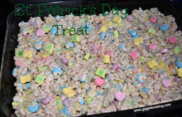 a delicious dessert for St Patrick's Day, family friendly St Patrick's Day dessert, Lucky Charms, St Patrick's Day,