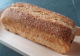 pan de molde cocido en el horno