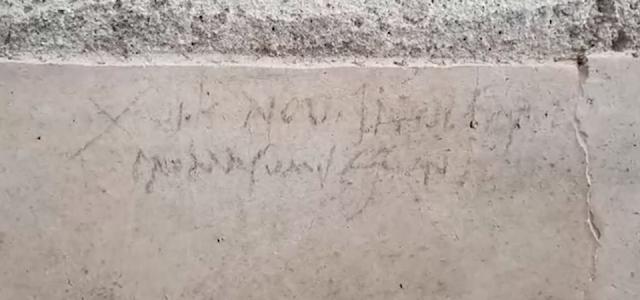 nuevo grafiti Pompeya