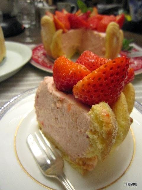 花團錦廚: 草莓夏綠蒂( strawberry charlotte)