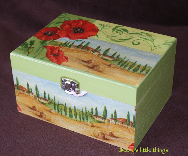 """Poppies in Tuscany"" jewelery wooden box"