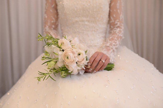 How To Design Your Own Wedding Dress