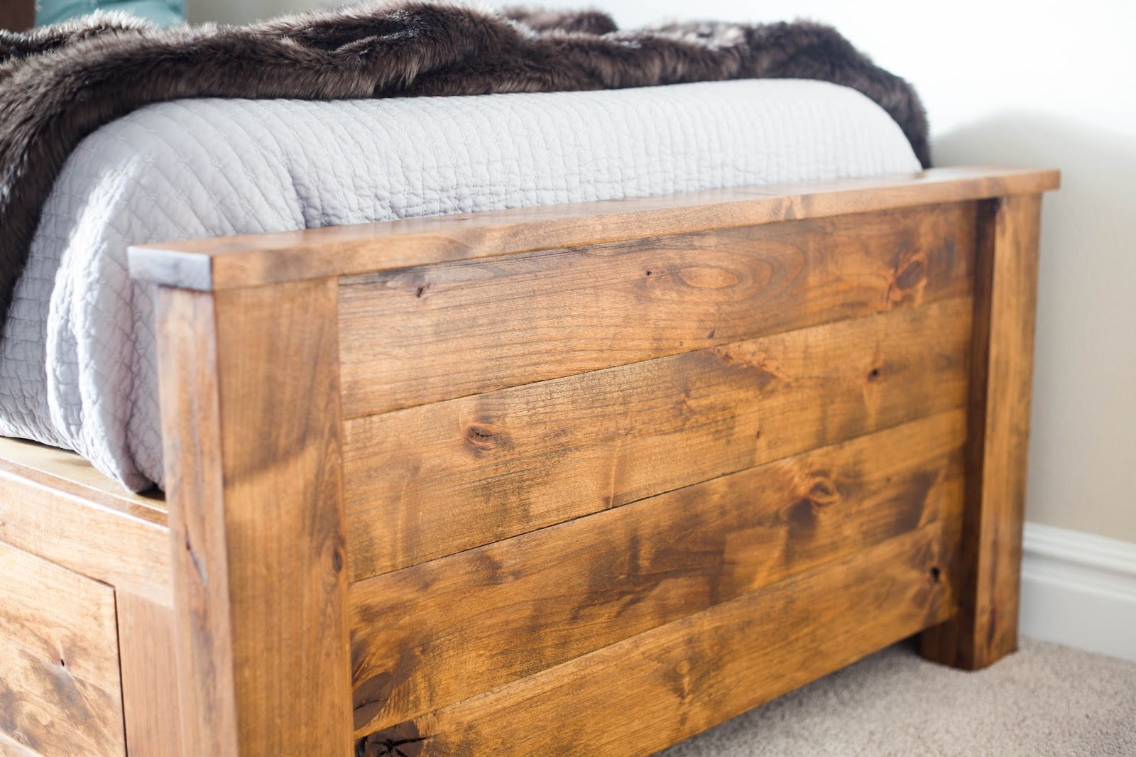 Do It Yourself Home Design: Do It Yourself Divas: DIY Twin Storage Bedframe