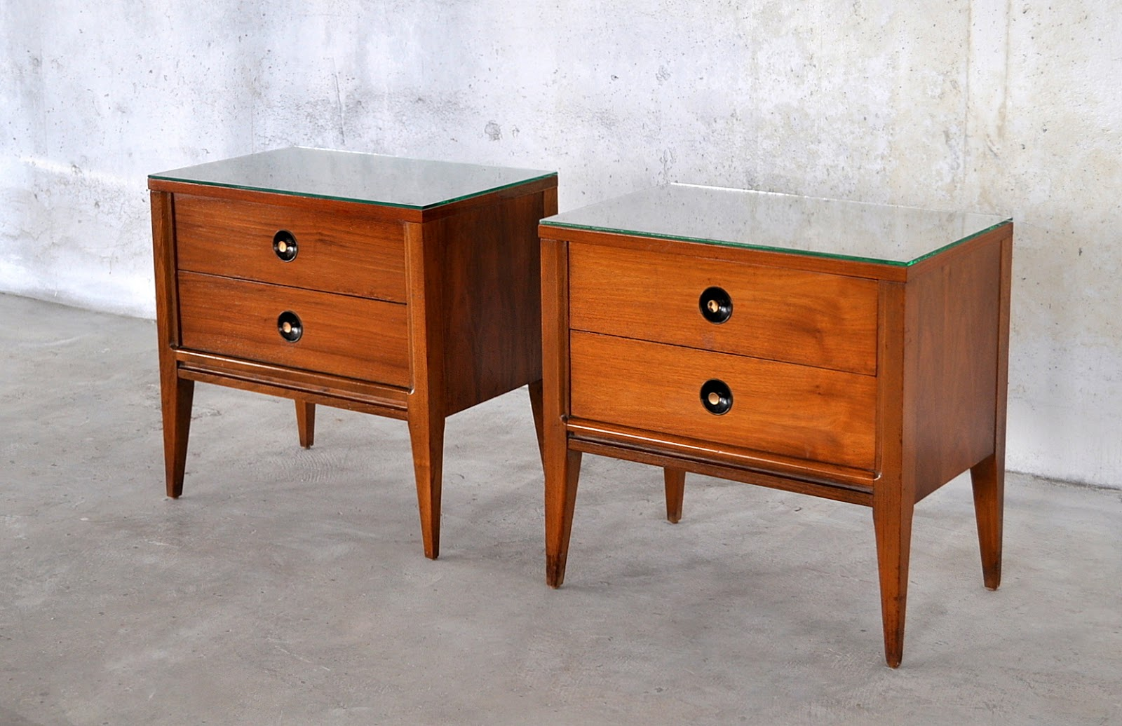 select modern pair of mid century modern nightstands side or end tables. Black Bedroom Furniture Sets. Home Design Ideas