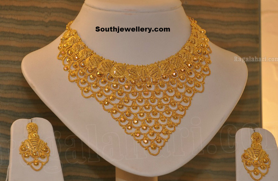 Bridal Gold Necklace - Jewellery Designs