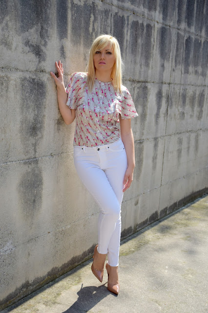 outfit jeans bianchi senza orlo come abbinare i jeans bianchi abbinamenti jeans bianchi white skinny jeans how to wear white skinny jeans mariafelicia magno fashion blogger color block by felym fashion blog italiani fashion bloggers italy outfit primaverili outfit aprile april outfit spring outfit