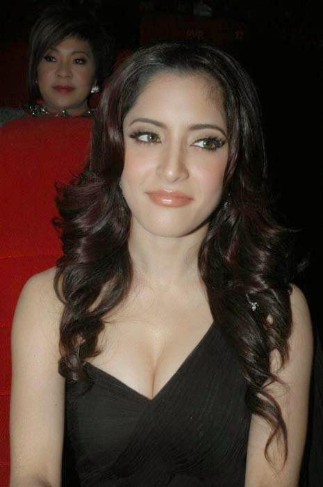 Meenakshi Photos, Actress Meenakshi Hot Photo Gallery in Black Dress