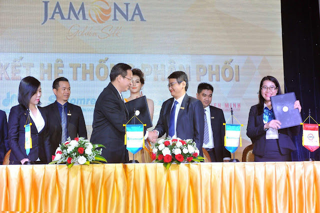 Sacomreal ký kết phân phối sản phẩm dự án Jamona Golden Silk.