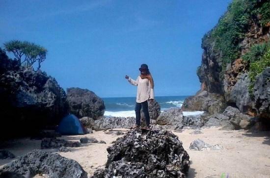Pantai Mbirit Gunung Kidul Yogyakarta