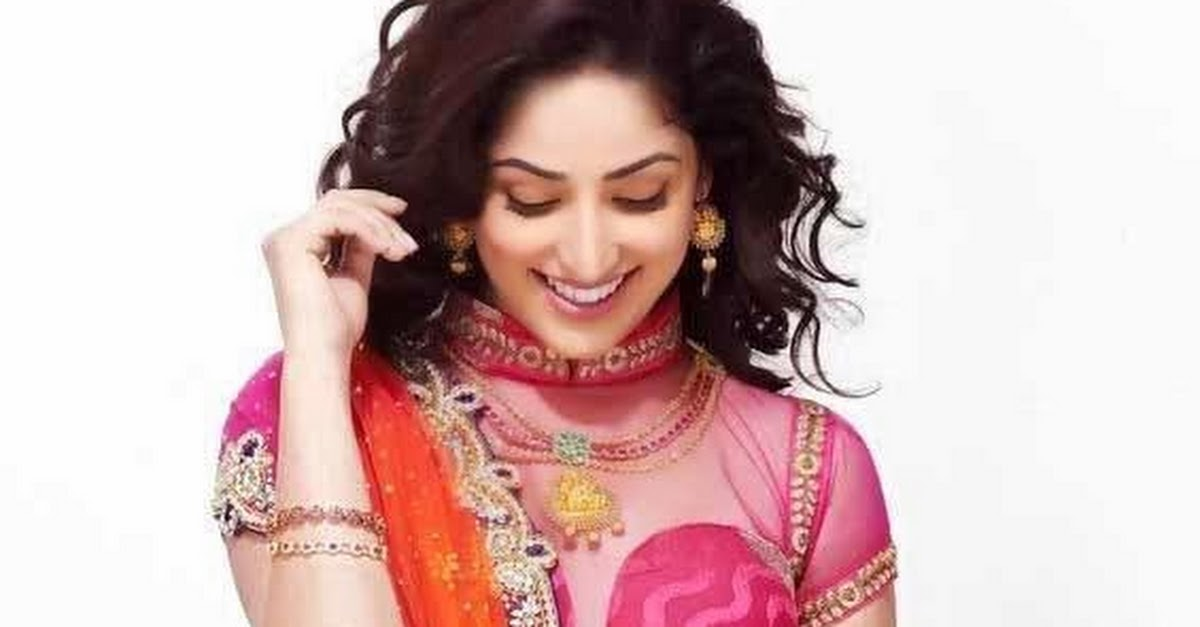 Bollywood Actress Yami Gautam Photoshoot: Yami Gautam Indian Traditional Saree Photoshoot Pics