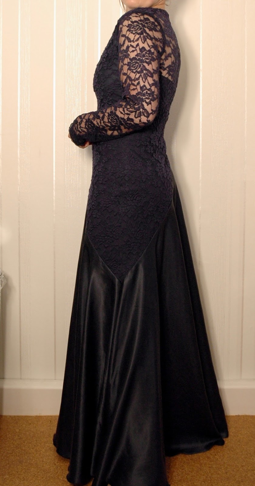 Kleid zu kurz gekurzt