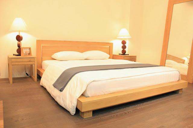 Giường ngủ được làm bằng gỗ sồi đảm bảo thiết kế đẹp tự nhiên