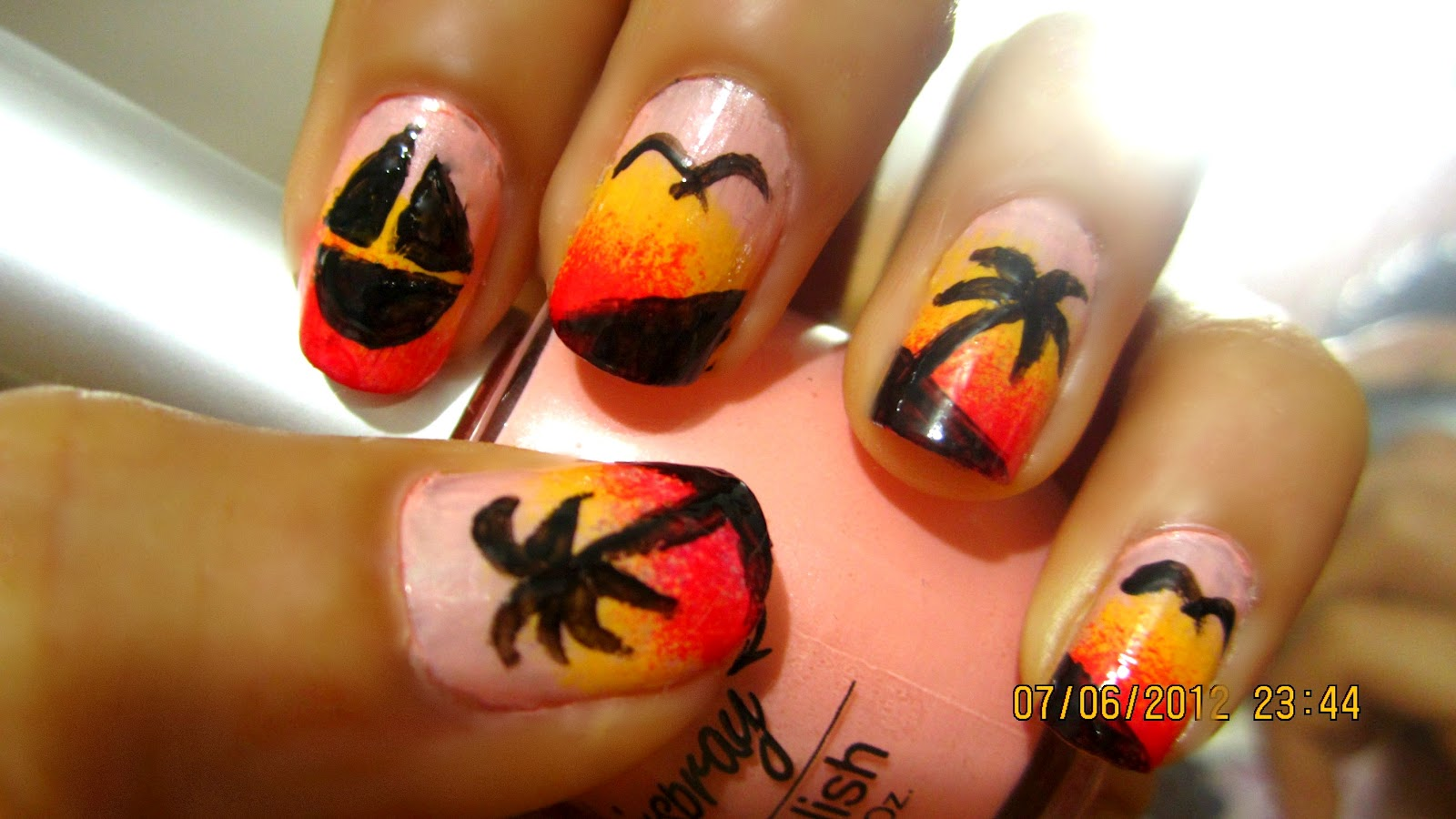 Unique Nail Boutique: 3 Easy and Cute Summer Nail Designs