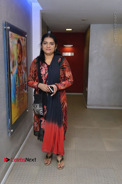 Kollywood Celebrities Pos at Inayathalam Premiere Show .COM 0002.jpg