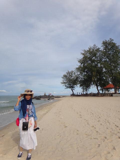 samila beach hatyaii thailand