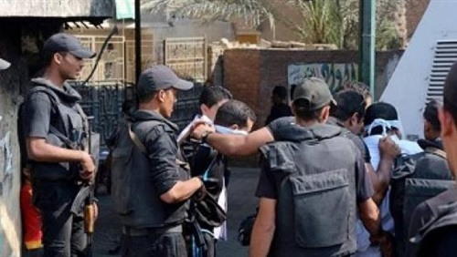 إحالة عصابة يتزعمها ضابط شرطة لسرقة الماشية بالعياط إلى المحاكمة