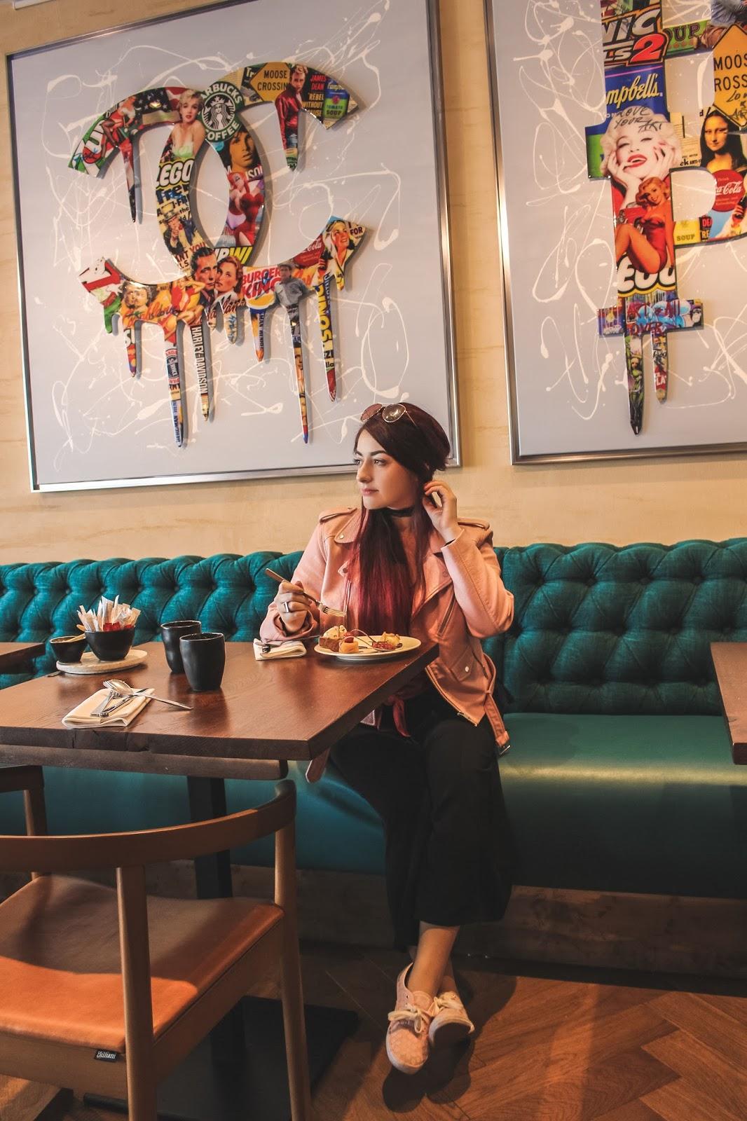 Restaurant Le Quai du 7ème Venus is naive