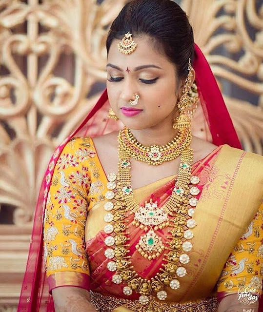 Bride in Kundan Antique Trendy Sets