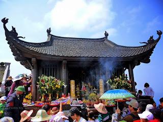 Yen Tu pagoda festival in Quang Ninh province 2