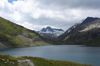 Massif des Grandes Rousses et Lac Bramant